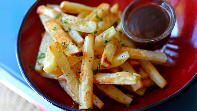 Crispy Oven Baked Fries - Vegan / Low Fat Rich Bitch Cooking Blog