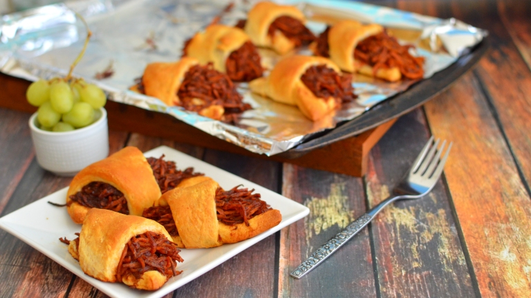 Vegan BBQ Carrot Stuffed Rolls - Pulled Pork / Brisket Style! Rich Bitch Cooking Blog