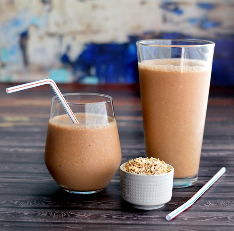 Vegan Oatmeal Smoothie - Chocolate Protein - Thick & Creamy - Rich Bitch Cooking Blog
