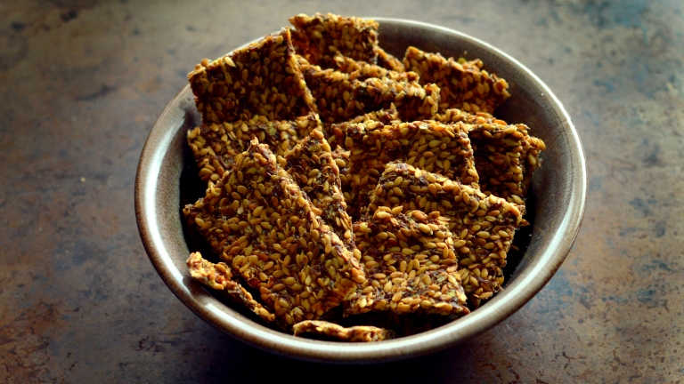 Raw Vegan Flax Seed Crackers - 5 Raw Vegan Recipes - Rich Bitch Cooking Blog
