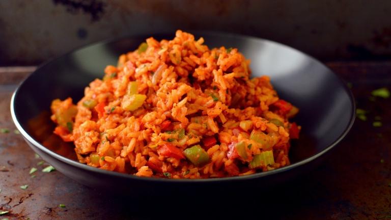 Vegan Smokey Red Cajun Rice - 11 Vegan Rice Recipes - Rich Bitch Cooking Blog