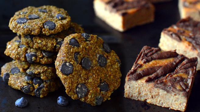 3 Vegan Desserts - Tiger Butter Fudge, Blueberry Coconut Pie, Chocolate Chip Pumpkin Oatmeal Cookie - Rich Bitch Cooking Blog