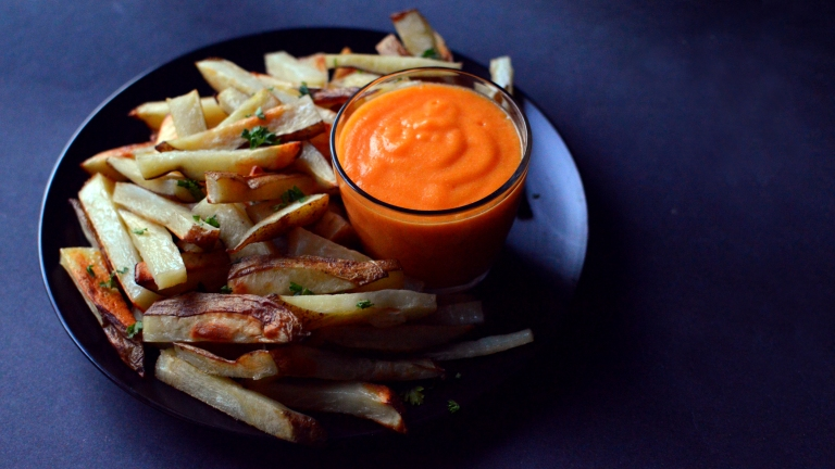 Vegan What I Eat In A Day - HCLF (#5) - Potato Fries With Fat Free Vegan Cheese Sauce - High Carb Low Fat - Rich Bitch Cooking Blog
