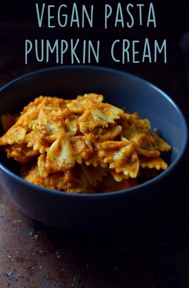 Vegan Pumpkin Cream Pasta - 9 Vegan Pasta Dishes - Dinner For One - College Meals - Rich Bitch Cooking Blog