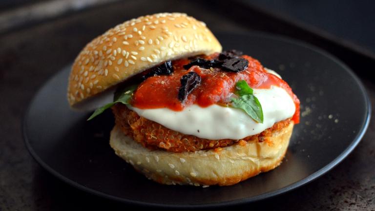 Vegan Pizza Quinoa Burger - Gluten Free - Homemade Veggie Burgers (Vegan)